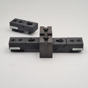 Lateral clamping kit